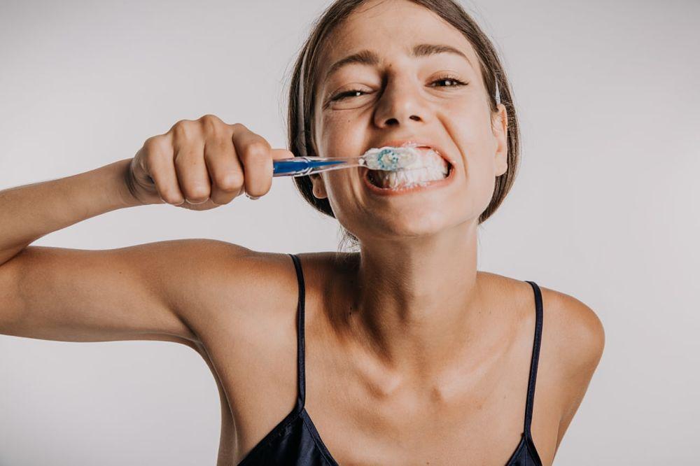 Hábitos que dañan tus dientes
